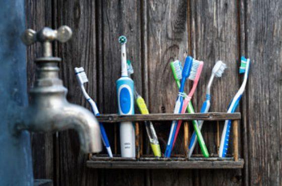 En İyi Şarjlı Diş Fırçası Tavsiyeleri – (2021 Modelleri)